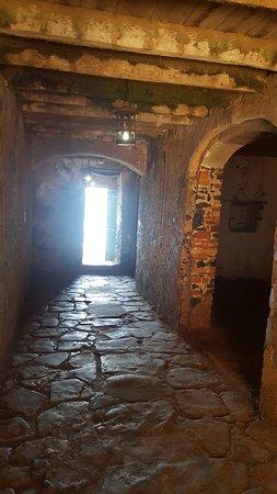 couloir vers la porte sans retour - Picture of La Maison des ...