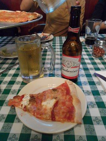 Rahway, NJ: Pizza de la Casa.