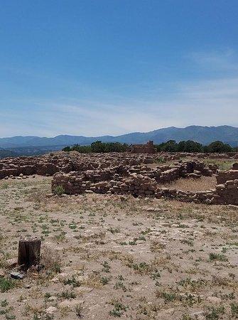 Espanola, New Mexiko: Pueblo ruins on top of the mesa.