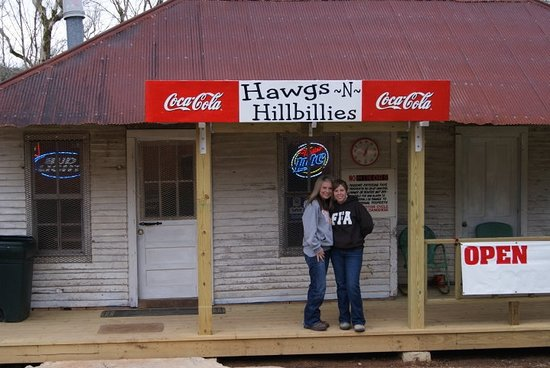 Linden, TN: some favorite visitors HAPPY HOLLOW