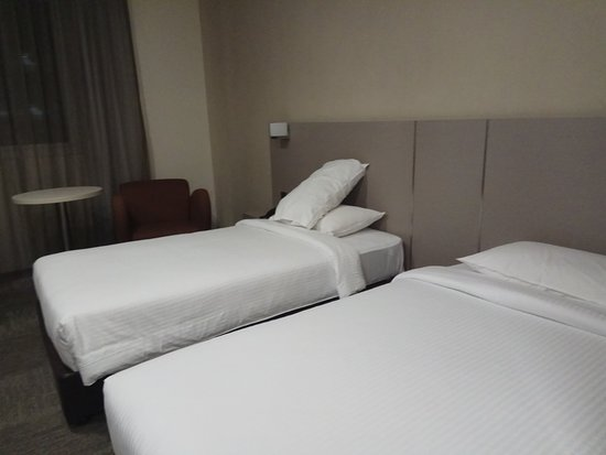 Strand Hotel: Room