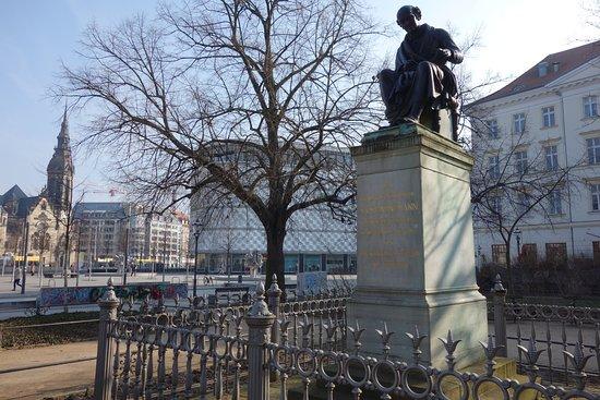 Hahnemann Denkmal