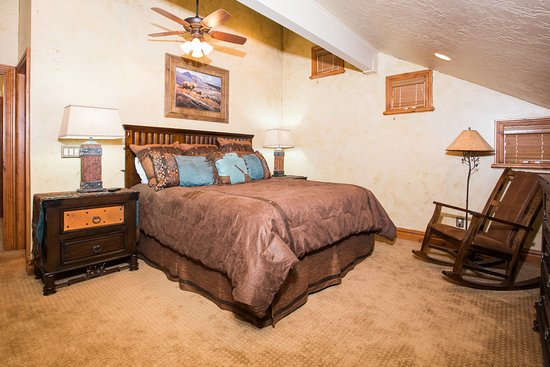 Three Kings Resort: Three Kings Condominiums-Identity Properties. Studio Lofts to 4Bedroom Park City vacation rental