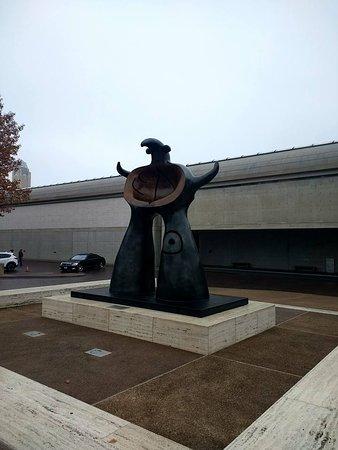 Kimbell Art Museum : Outside the art museum
