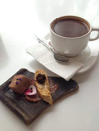 The BEST hot chocolate in the world. (with complimentary delicacies)