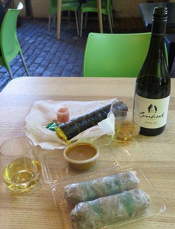 Peko Peko: Lunch with wine