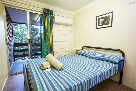 Airlie Beach YHA: Double Room - Shared Bathroom
