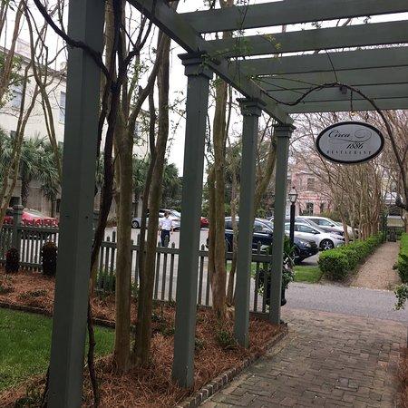 Wentworth Mansion: photo1.jpg