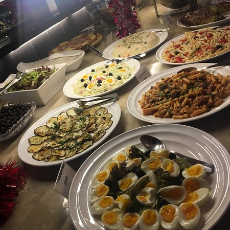 Pluak Daeng, Tailandia: Buffet