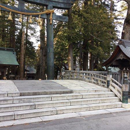 Suwa Shrine: 諏訪大社