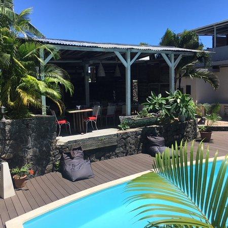 terrasse couverte - Picture of Hidden Garden Restaurant, Riviere ...
