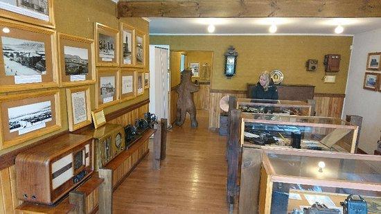 Historical Museum,Municipality of Puerto Natales : DSC_0236_large.jpg