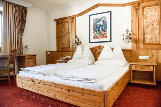 Zimmer Im Landhausstil Bild Von Hotel Das Walchse Walchsee