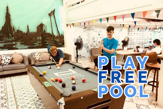 d Hostel Bangkok: Free Play for POOL TABLE, let's have fun