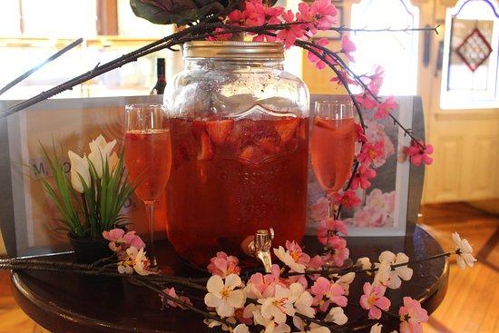 Shankill, Irland: Mother's day pink gin punch