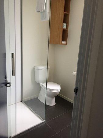 Park Hotel Lambton Quay: Spotlessly clean bathroom