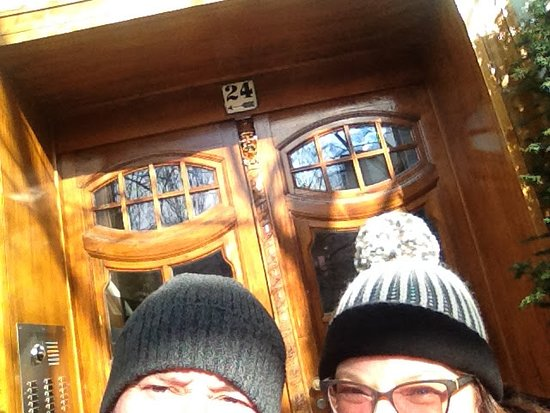 Ackselhaus : Lovely front door. And hats. Well more hats than front door.