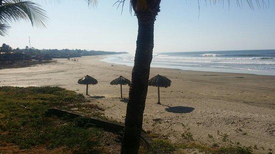 Pochomil, Nicaragua: Puedes ver el mar acostado desde la cama