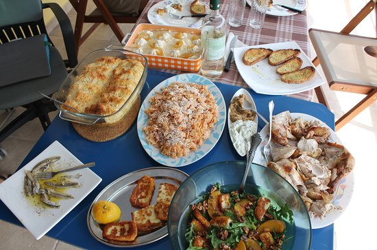 Asini, Greece: The different food we made/tried - missing are the dolmata.