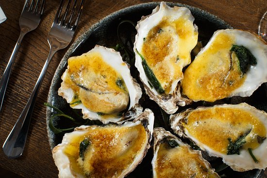 SOLE Seafood and Grill: Oysters Rockefeller