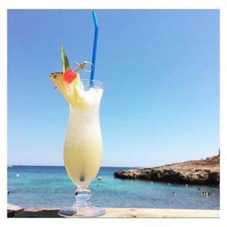Cala Murada, Spain: Fabulous cocktails 🍓🍹🍊🍹🍓