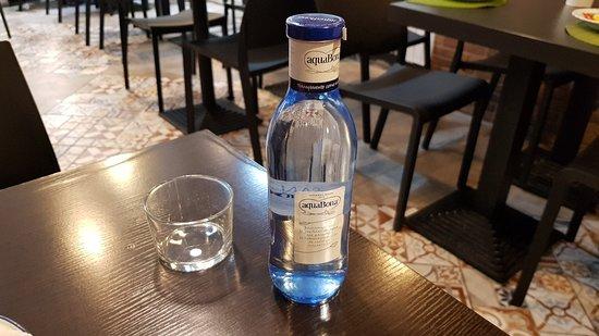 Agua (2 euros)