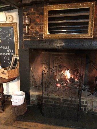 Binfield, UK: Cosy pub