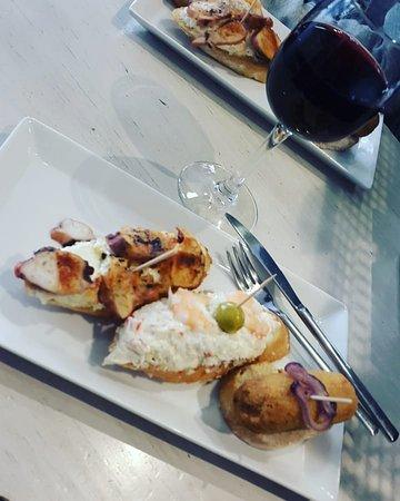 Bar Café Santiago : Mis pinchos favoritos, Pulpo, Gambas y Cocido