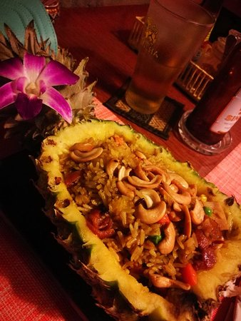 Chalita Cafe & Restaurant : Fried rice in pineapple, a must! So so delicious