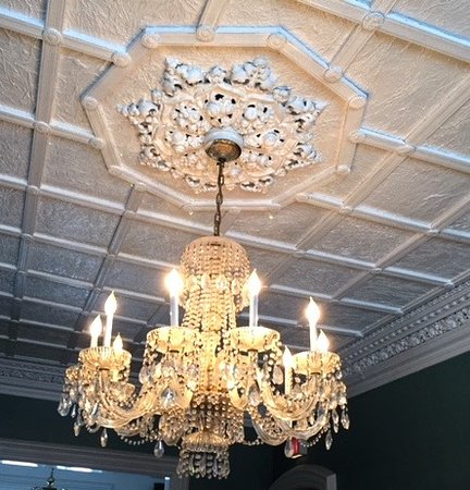 Marble Mansion Inn: One of many beautiful Chandeliers throughout the Inn