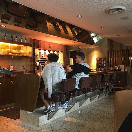 101 coffee shop los angeles central l a restaurant avis num ro de t l phone photos. Black Bedroom Furniture Sets. Home Design Ideas