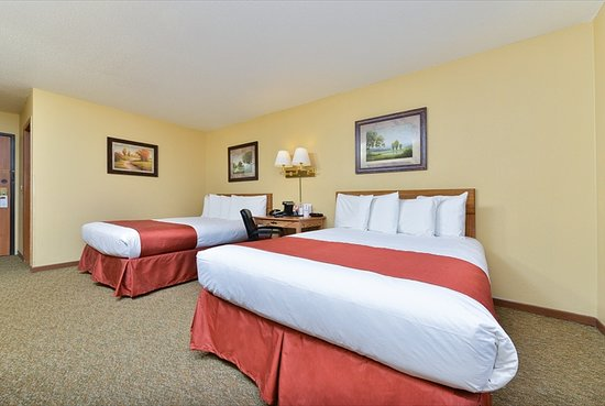 Kadoka, SD: 2 Queen Beds