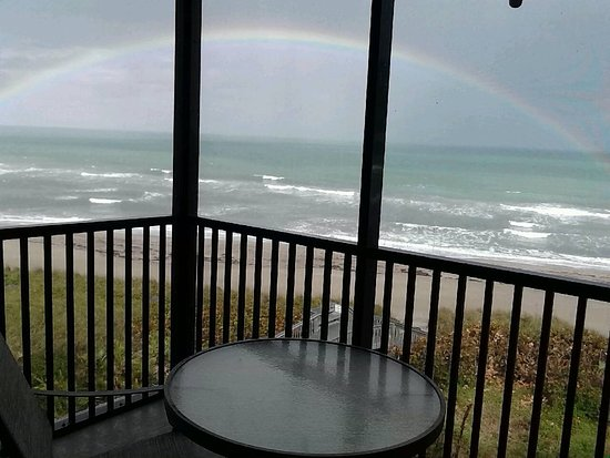 Plantation Beach Club at Indian River: Rainbow over the ocean