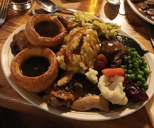 Gayton, UK: traditional home cooked Sunday roasts and week night carvery