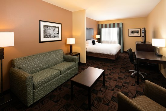 Saraland, AL: One King Bed Executive Suite