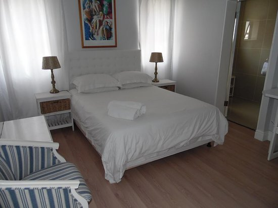 Albatross Guest House : single bed