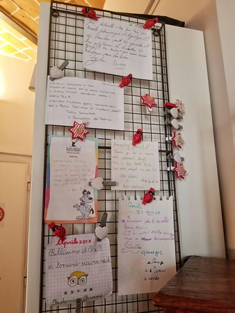 Campanella3: muro delle dediche dei clienti