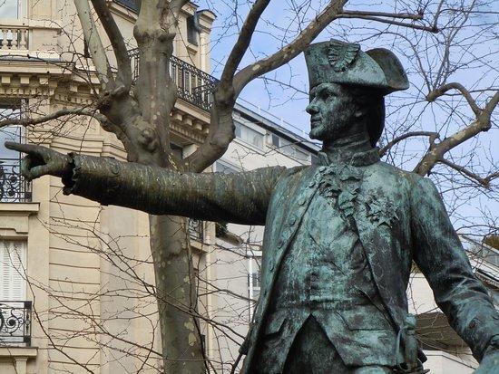 Monument au Marechal de Rochambeau