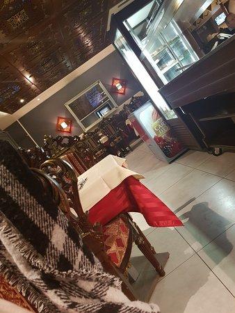 Decines-Charpieu, France: TA_IMG_20180307_212708_large.jpg