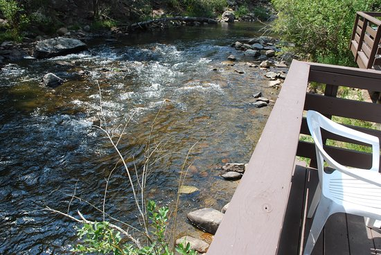 Loveland Heights Cottages: River view from one of the decks