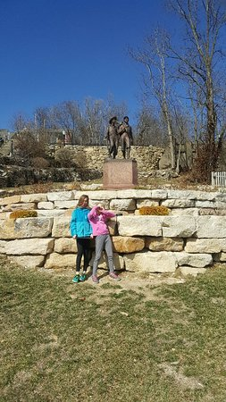 Tom and Huck's Statue: 20180304_122105_large.jpg