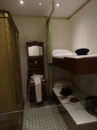 Tripadvisor Mock Up Of Titanic 2nd Class Cabin At Seacity Museum صورة Seacity Museum Southampton