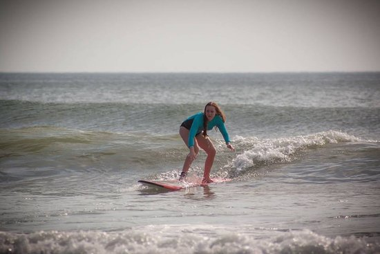 Playa Grande, كوستاريكا: Catching those first waves