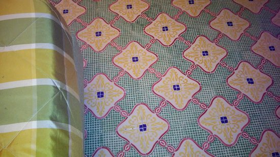 Antiche Mura Hotel: Floor with bedspread