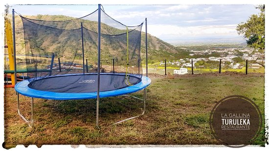 Juegos Infantiles Al Aire Libre Fotografia De La Gallina Turuleka