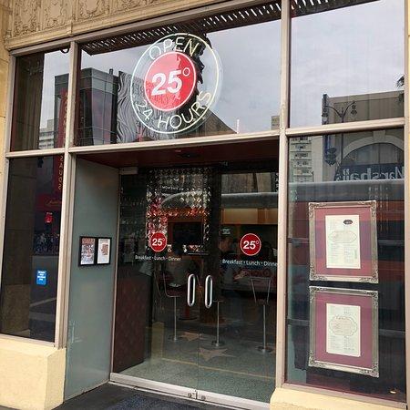 25 degrees los angeles hollywood restaurant avis num ro de t l phone photos tripadvisor. Black Bedroom Furniture Sets. Home Design Ideas