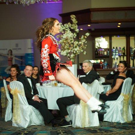 Ennis, Ireland: Irish dancing after dinner entertainment