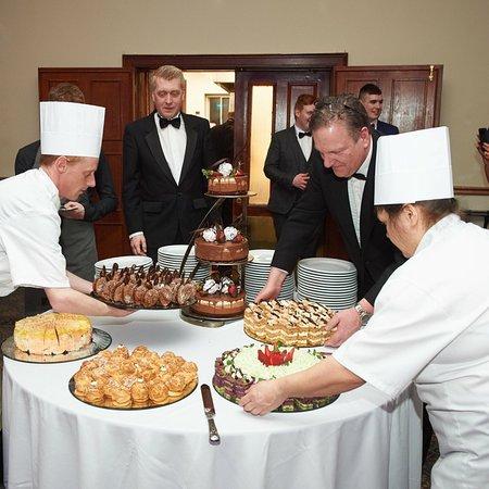 Ennis, Ireland: Stunning homemade dessert buffet