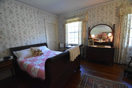 Lake Champlain: bedroom
