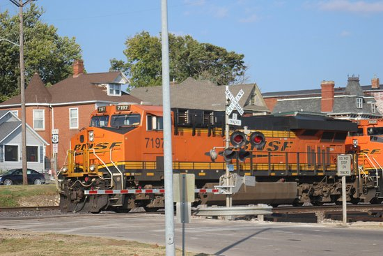 Fort Madison, IA: Good for Railfans